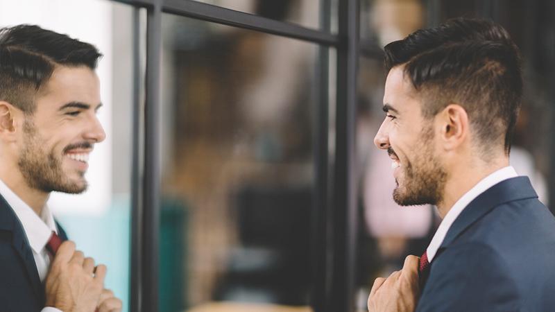 Come riconoscere un narcisista