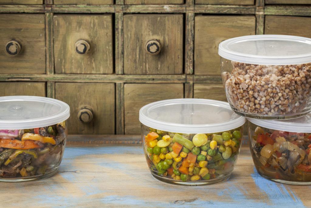 Cucina sostenibile, i consigli degli esperti per evitare gli sprechi