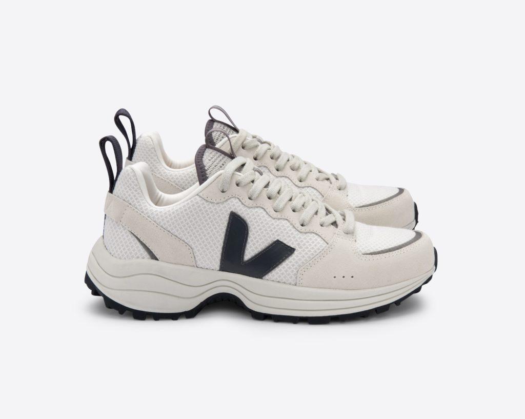 Oversize sneakers, quando non è mai troppo