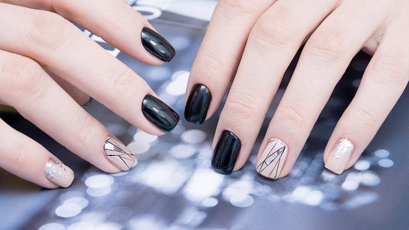 Manicure, è ora di vestire le unghie di una nuova luce