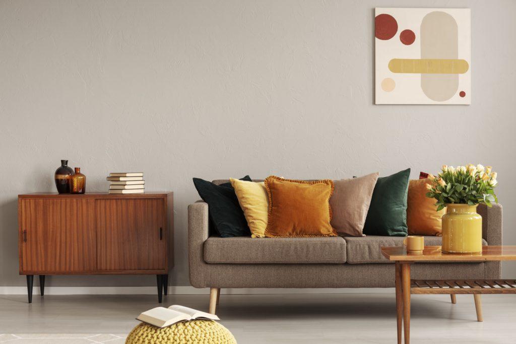 Casa, l'arredamento di interni ha i colori dell'autunno