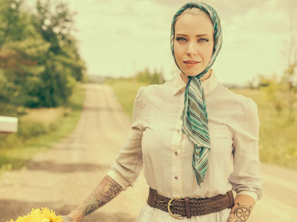 Babushka trend, il fazzoletto granny è di moda