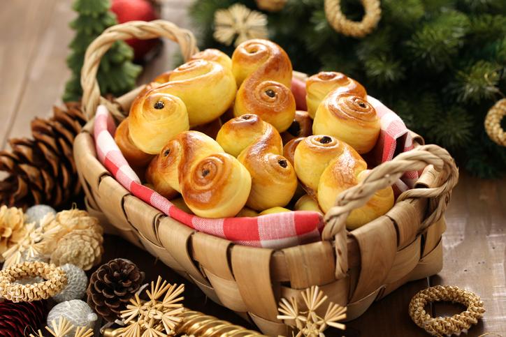 Lussekatter, le deliziose brioches svedesi allo zafferano per Santa Lucia