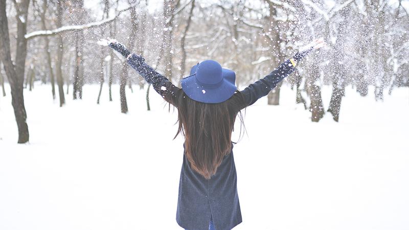 Capelli sani anche in inverno: come proteggerli dal freddo