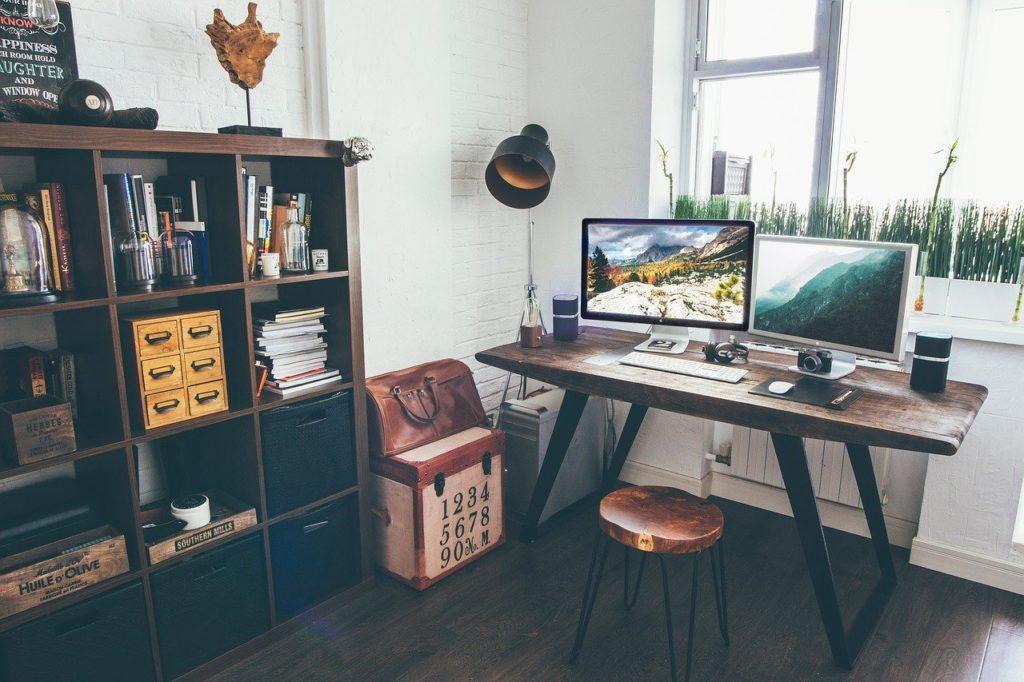 Smart working: come organizzare l'angolo ufficio in casa