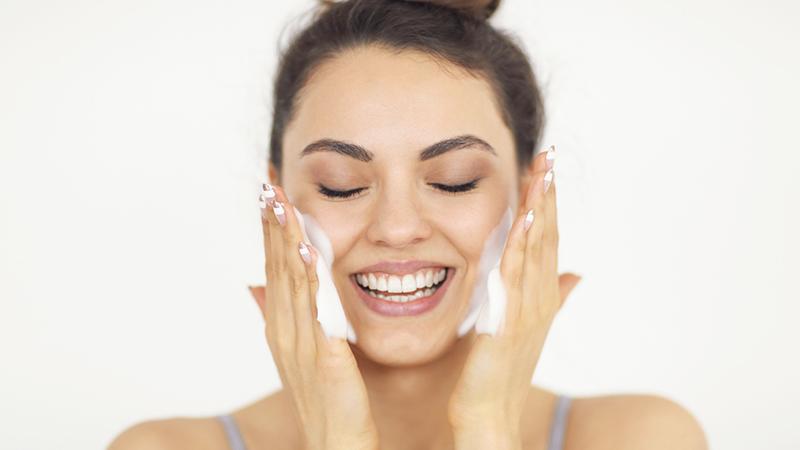 skincare routine primaverile, mousse
