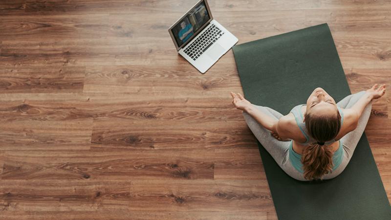 Yoga, l'allenamento è a portata di smartphone