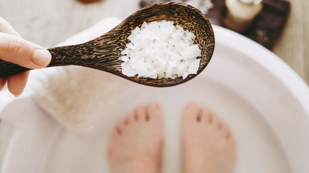 Pediluvio rinfrescante: preziose coccole anti-caldo