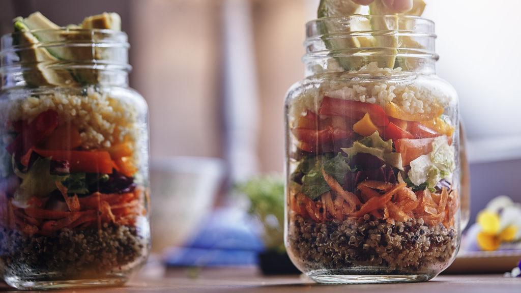 Come servire l'insalata: le idee alternative