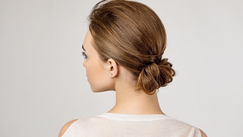 Sleek bun, l'acconciatura dal mood urban chic