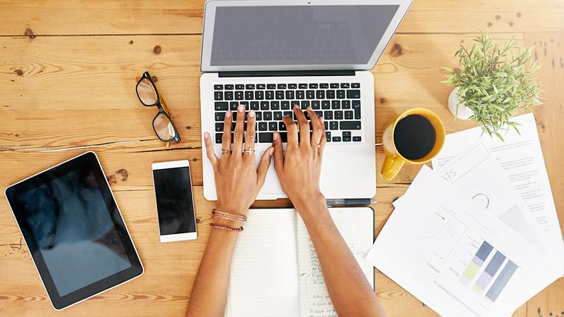 lavorare al computer